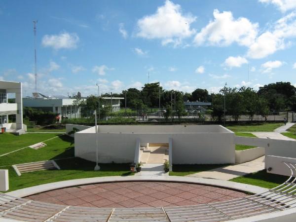 Teatro de la Facultad de Matemáticas de la Universidad Autónoma de Yucatán. Foto: Especial