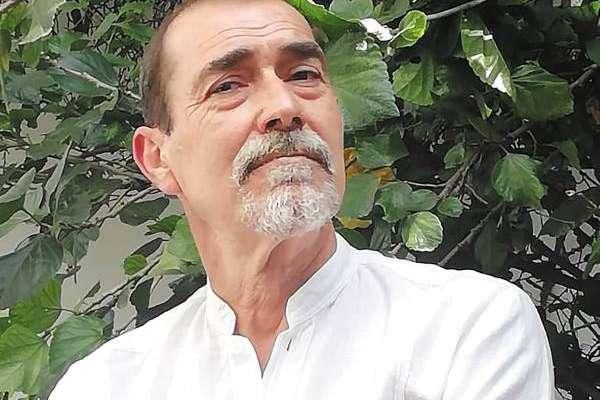 FACETAS. El autor también es guionista, ilustrador, editor de poesía y corrector. Foto: Cortesía.