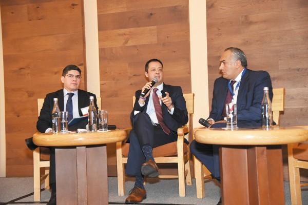 PROYECTO. Gabriel Yorio (al centro) aclaró que la propuesta no va con los tiempos del paquete económico 2020. Foto: Daniel Ojeda