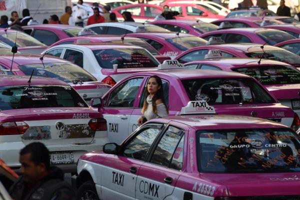 Protesta de taxistas en la CDMX. Foto: Pablo Salazar