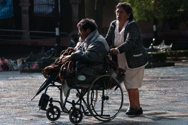 PODER ADQUISITIVO. La discapacidad es mayor en los países de medianos y bajos ingresos. Foto: CUARTOSCURO