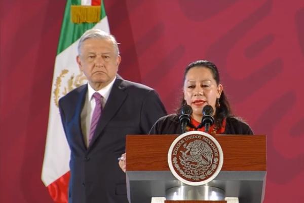 María Luisa Albores González, secretaria de Bienestar junto al presidente. Foto: Especial