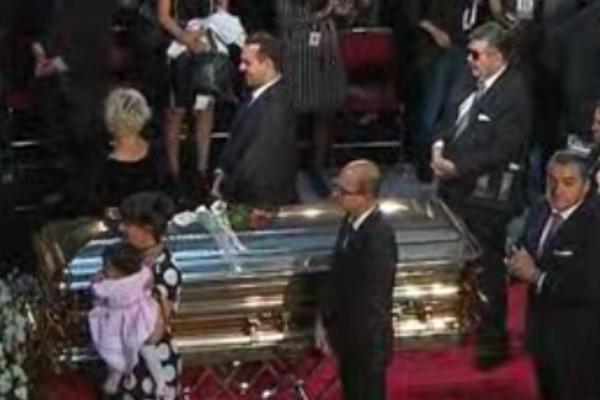Jorge Ortíz de Pinedo rompen en llanto al despedir a José José en Bellas Artes: FOTO