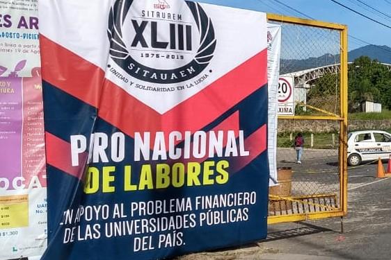En redes sociales comienzan a circular fotografías de las universidades públicas estatales que entraron en paro nacional. Foto: Guadalupe Flores