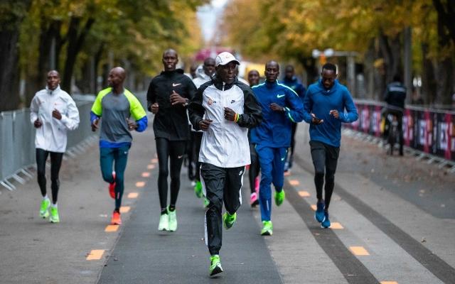 Conseguirá el keniano Eliud Kipchoge correr un maratón en