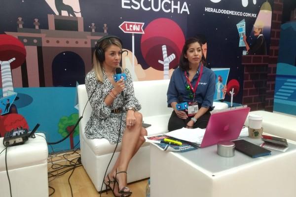 Mariana Salazar, directora de producto en Rever, en entrevista durante el marco de la feria Industrial Transformation México (ITM) de Hannover Messe en León, Guanajuato