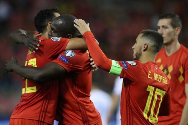 La selección de Bélgica logró una goleada que lo lleva a la Eurocopa. AP