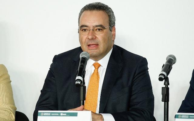 Asegura el secretario de hacienda, Arturo Herrera, que persecución fiscal se limita a empresas factureras
