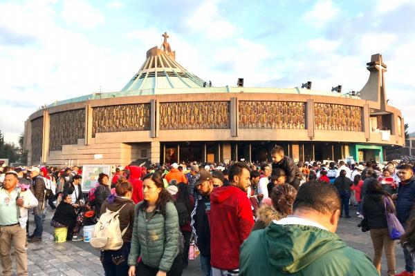 Reporte Vial: Cerrada la Calzada de Guadalupe por presencia de 25 mil feligreses