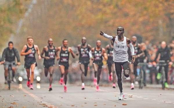 HISTORIA. Él tiene también el oro olímpico y récord mundial. Foto: AP.