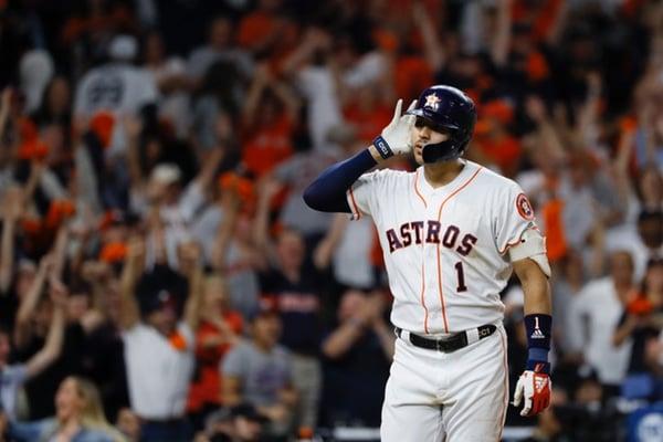 Carlos Correa pegó el cuadrangular del gane para Houston. AP