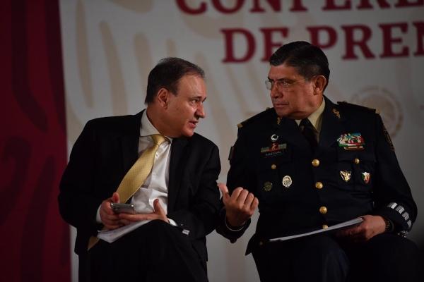 Alfonso Durazo y Luis Cresensio Sandoval. Foto: Pablo Salazar Solís
