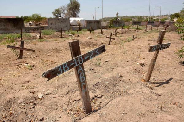 La Comisión Nacional de Búsqueda exhumó 706 cuerpos de fosas clandestinas. Foto: Cuartoscuro