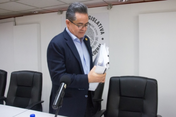Leonel Luna hará la invitación a los políticos. Cuartoscuro