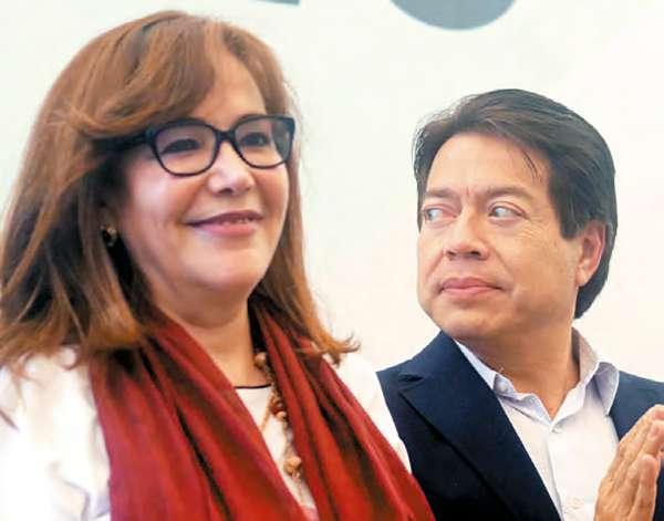 DIFIEREN. Yeidckol Polevnsky, presidenta de Morena, y el diputado Mario Delgado fueron el domingo a un informe legislativo en Morelos. CUARTOSCURO