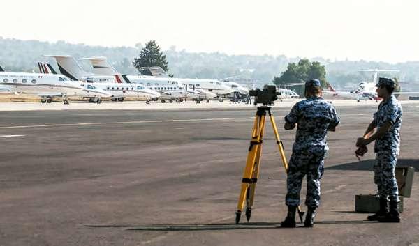 LABORAN. El ejército será el encargado de construir la nueva terminal aérea. Foto: CUARTOSCURO