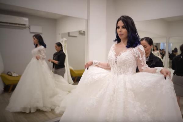 ¿Se casa la Chica Badabun? Lizbeth Rodríguez se prueba vestidos de novia y se vuelve viral