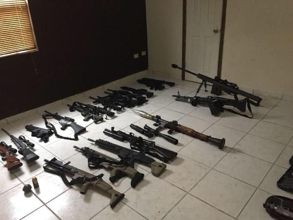 Fueron aseguradas 13 armas largas, siete cargadores de armas cortas, seis armas cortas entre otros. Imagen ilustrativa: Cuartoscuro