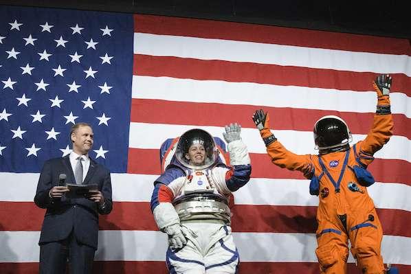 NASA nuevos trajes espaciales mision artemisa 2024 luna