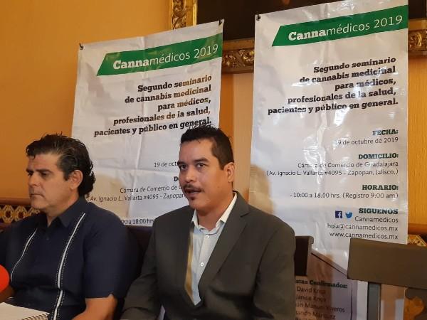 Representantes de la  Fundación de Cannabis Medicinal. Foto: Especial