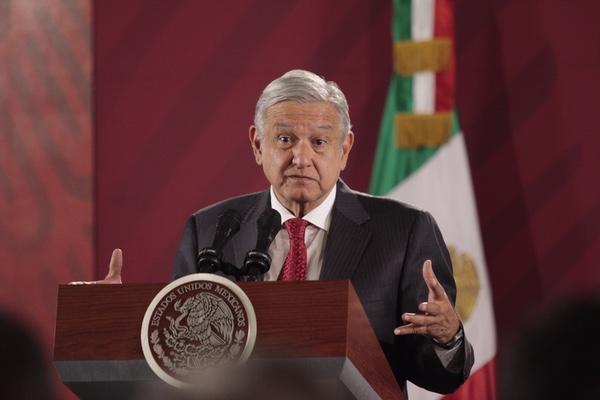 Andrés Manuel López Obrador se reúne con directivos de Microsoft. Cuartoscuro