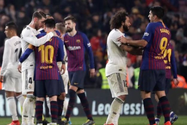 Barcelona y Real Madrid se enfrentarán el 26 de octubre. AP