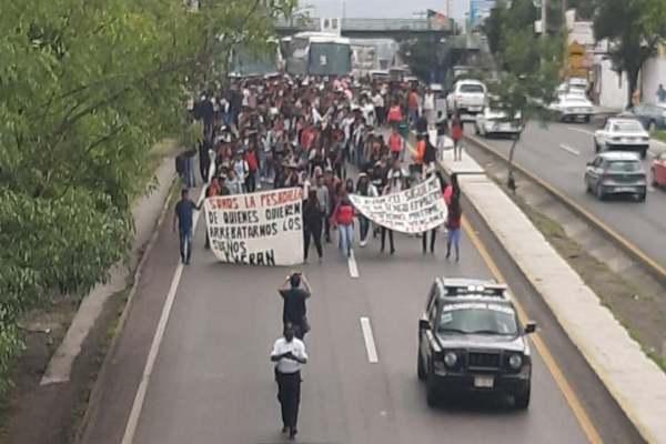 Michoacán_normalistas