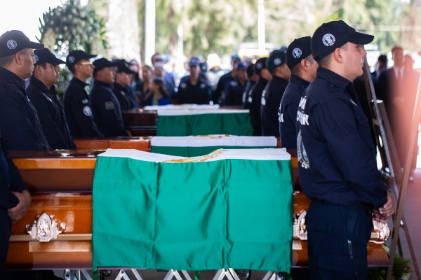 El lunes, estatales de Michoacán fueron emboscados por más de 40 civiles armados, dejando muertos a 13 elementos. Foto: Cuartoscuro