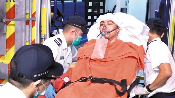 SUSTO. El líder del movimiento prodemocracia fueenviado al hospital Kwong.  Foto: AP