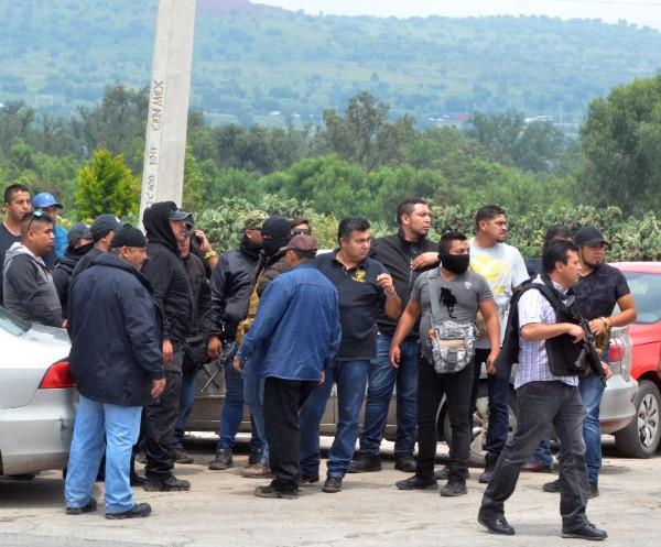 Las tres personas linchadas  fueron colgadas de una barda de la plaza principal. Imagen ilustrativa: Cuartoscuro