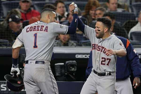 DESATADOS. Correa y Altuve, dupla que hizo de la suyas. Foto: REUTERS