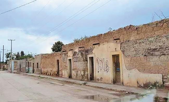 VACÍAS. Entre las razones para dejar las viviendas, está la falta de servicios. Foto: Especial