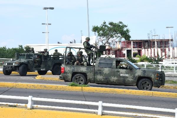 Diversos enfrentamientos se registraron tras la detención de unos de los hijos de El Chapo Guzmán, Oviedo Guzmán López. FOTO: EL DEBATE DE CULIACÁN /CUARTOSCURO.COM