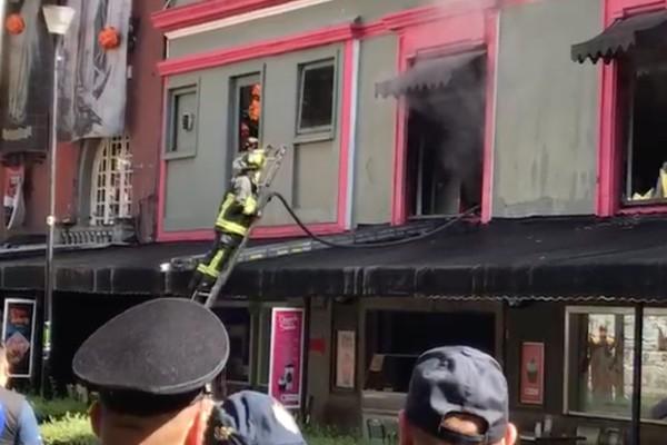 incendio_zona_rosa_bomberos_cdmx