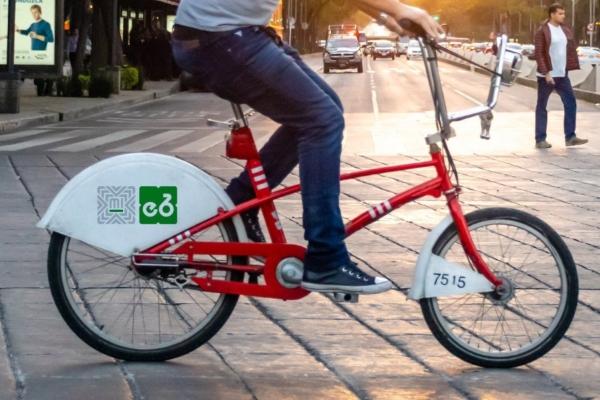 Los ciclistas y automovilistas compartirán carriles. Foto: Semovi