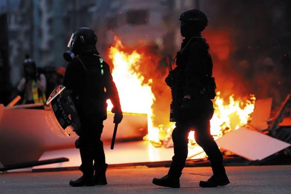 CRISIS. Se registraron ataques a comercios y al transporte público. Foto: Reuters