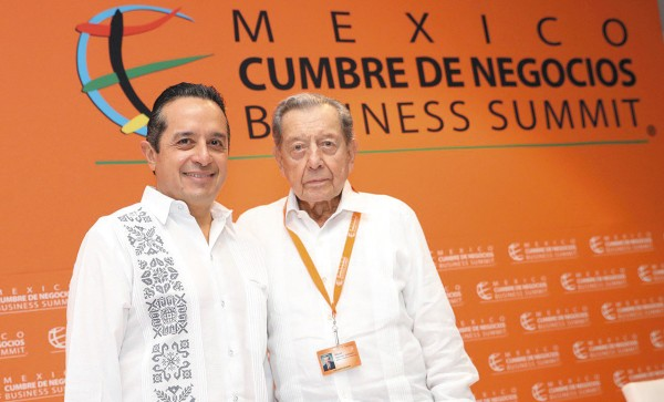 CUMBRE. El gobernador de Quintana Roo afirmó que la inversión subió 50%. Foto: Especial