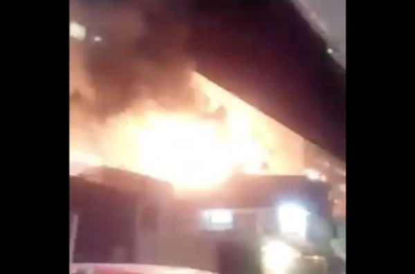 El siniestro ocurrió la noche de este domingo en Ecatepec. FOTO: Especial