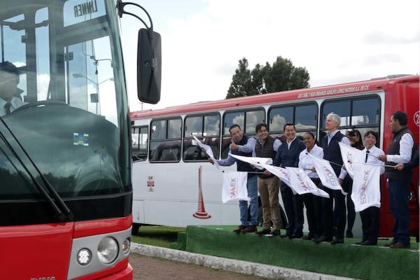 El gobernador de Edomex, Alfredo del Mazo, dio el banderazo de salida a las nuevas unidades. Foto: Especial