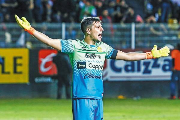 PASADO. Servio llegó el año pasado a defender los tres palos del conjunto sinaloense. Foto: Mexsport