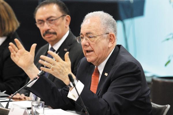 El titular de la SCT, Javier Jiménez Espriú, informó que será esta semana, cuando se haga pública la información sobre la construcción del proyecto de Santa Lucía. Foto: Notimex
