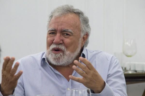 Alejandro_Encinas_manifestacion_gas_alcaldes_palacion_nacional