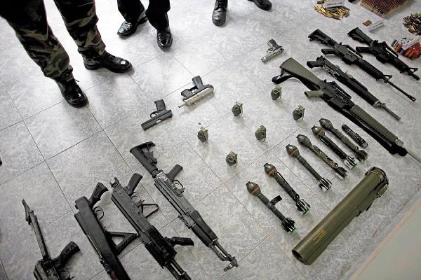 ZONA CALIENTE. De las armas ilegales que hay en México, 80 por ciento provienen de EU, principalmente de Texas. Foto: AP