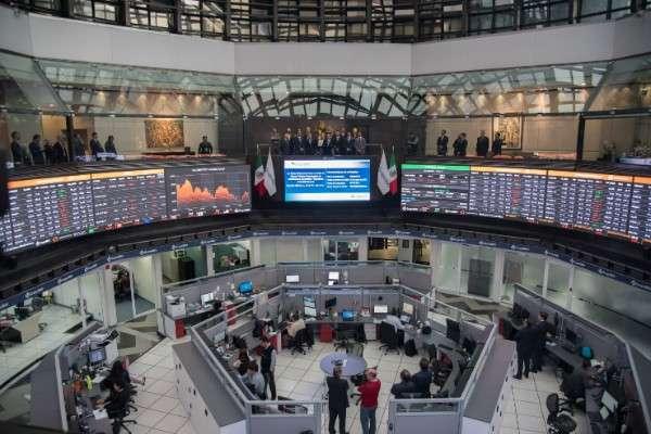 Aspecto al interior de la Bolsa Mexicana de Valores. Foto: Cuartoscuro