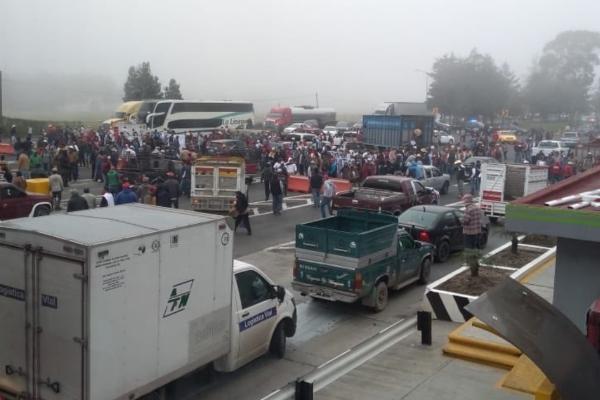 La alternativa vial es el segundo piso de la Autopista y carretera libre México-Cuernavaca. FOTO: ESPECIAL