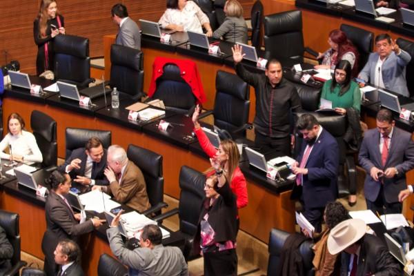 senadores_pan_morena_cobro_agua