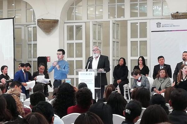 Alejandro Encinas detalló que en todo el país se tienen contabilizados 38 mil cuerpos de personas sin identificar. Foto: Ma. Teresa Montaño