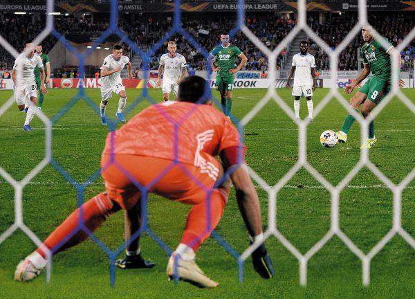 """Raúl Jiménez reconoció que el apoyo a los jugadores del Veracruz es complicado para los mexicanos que militan en Europa. """"Desde acá nosotros con un tuit no podremos ganar nada"""", indicó. Foto: @WOLVES"""