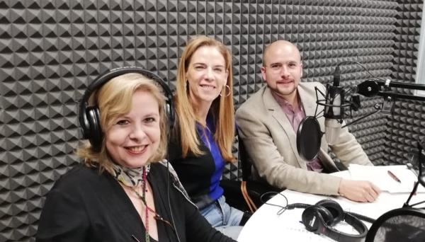 Las doctoras Ruth Axelrod y Rocío Arocha, además del doctor José Estrada, conversaron con los radioescuchas sobre la depresión.