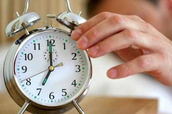 No se te pase cambiar la hora del reloj. Foto: Especial.